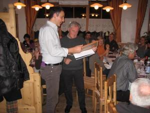 Übergabe des Diplomes von IN3DOV Kurt an IN3KXU Erich.